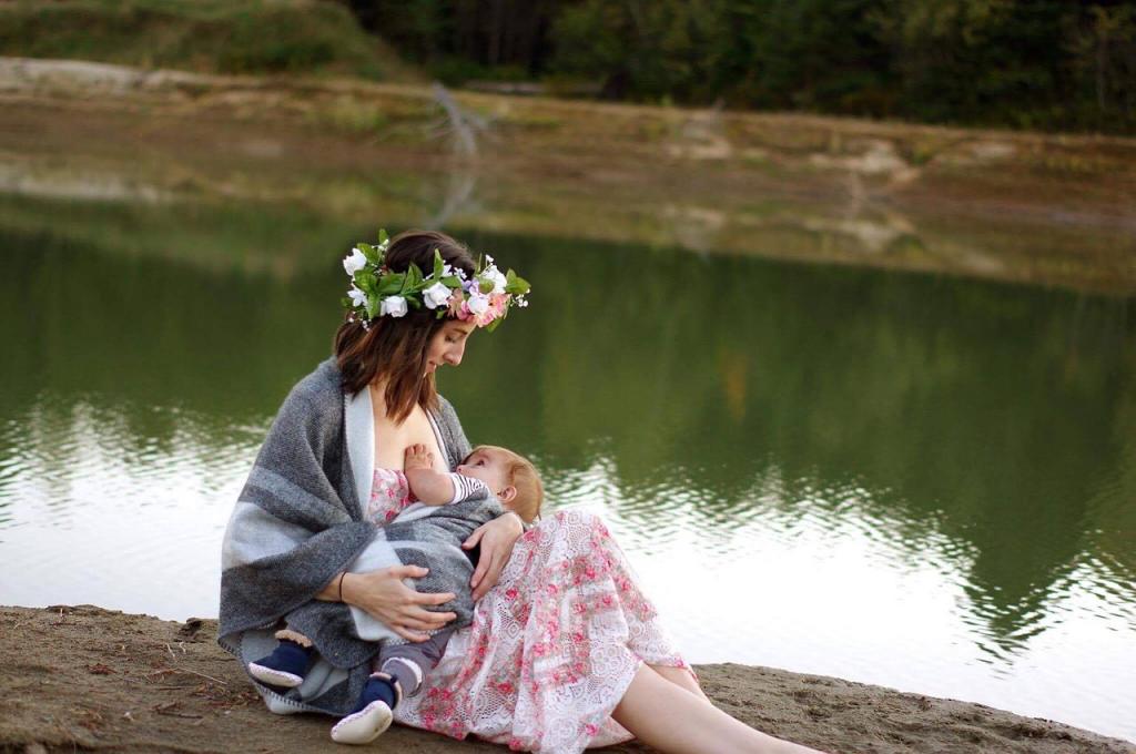 Breast feeding outside